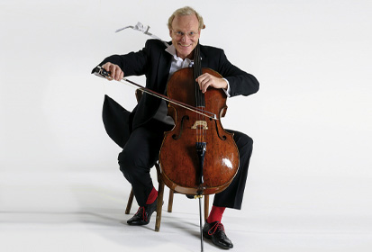Stephan Schrader mit Cello